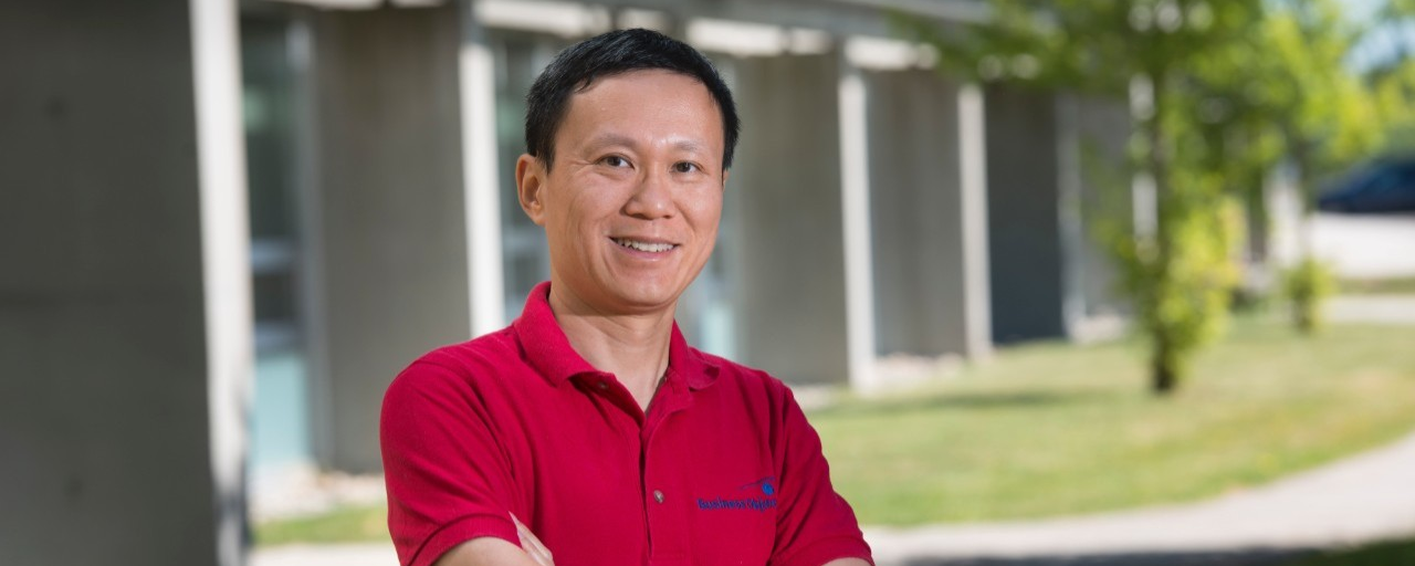SFU computing science professor Jian Pei named Canadian Academy of Engineering Fellow