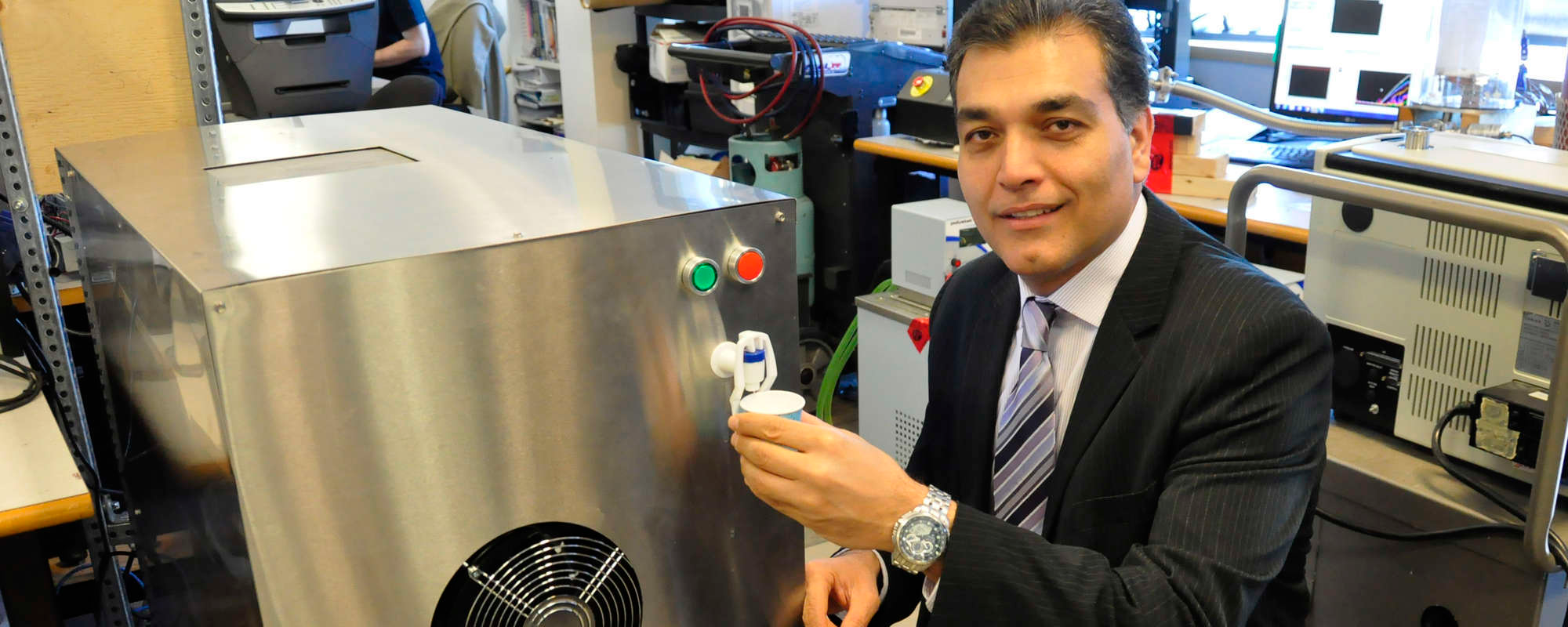 Mechatronics innovation making waves pulling water from air