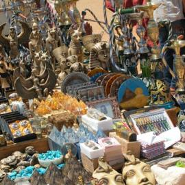 Replicas for sale, at the Giza Pyramid Complex