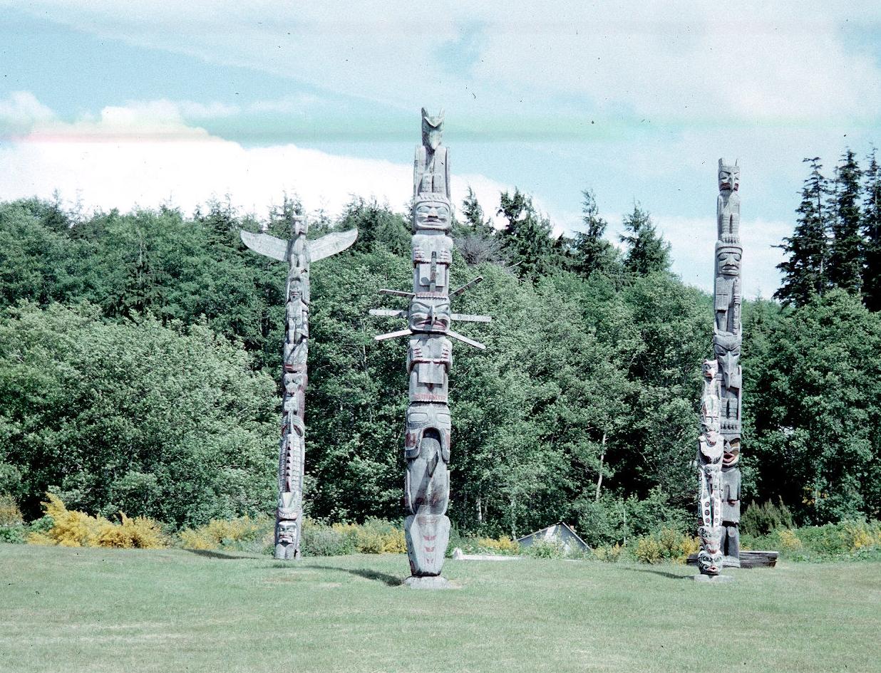 Northwest Coast Totem Poles Museum Of Archaeology Ethnology