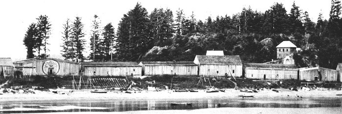 Nuu-chah-nulth houses at Yuquot, broadside to the beach